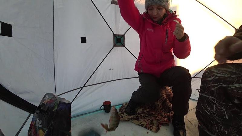 Первая подледная рыбалка Елены Анатольевны!
