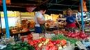 Вот такой Крым наш. Торговка на рынке кроет матом покупателя.