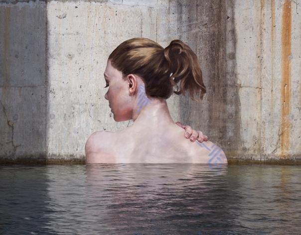 Гиперреалистичные уличные портреты женщин в неожиданных местах от Шона Ёро (Sean Yoro