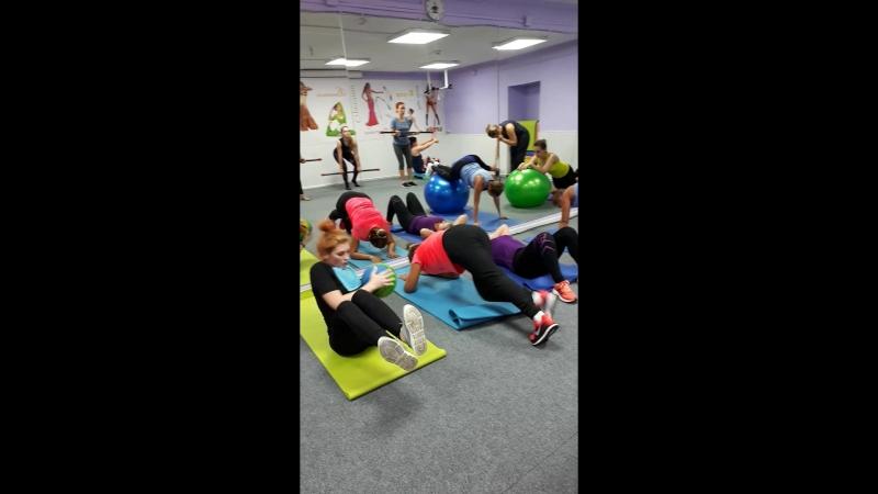 Круговой тренинг с Кристиной Акчуриной на FITMIX