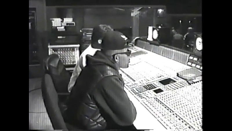 R. Kelly In Studio With 14 Year Old Aaliyah
