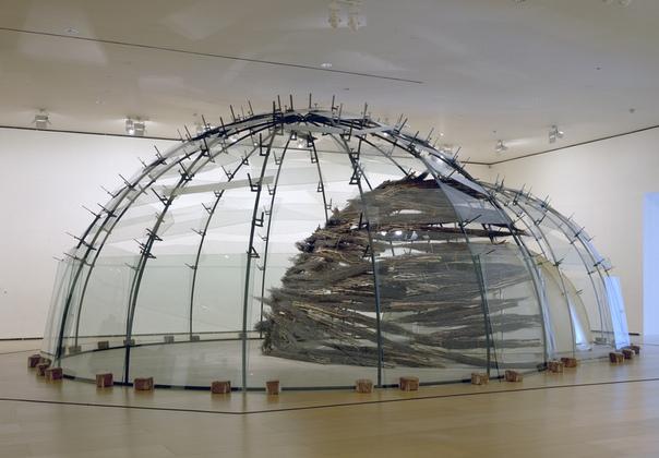 Марио Мерц (итал. Mario Merz, 1 января, 1925, Милан 9 ноября 2003, Турин) итальянский художник, представитель направления «арте повера». В своих работах использовал простые («бедные») материалы,