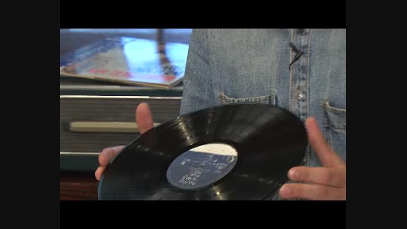 Плёнки, пластинки, кассеты, компакт диски: ностальгируем по музыкальным центрам
