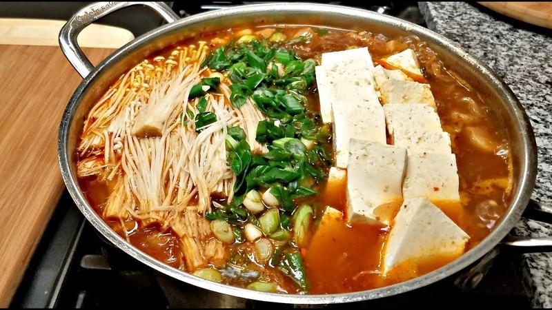 Kimchi Jjigae Recipe | How I Make Kimchi Jjigae | Korean Stew Recipe