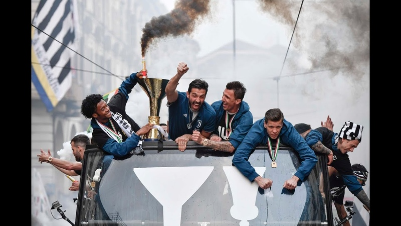 The Juventus MYTH celebrations take to the streets of Turin!