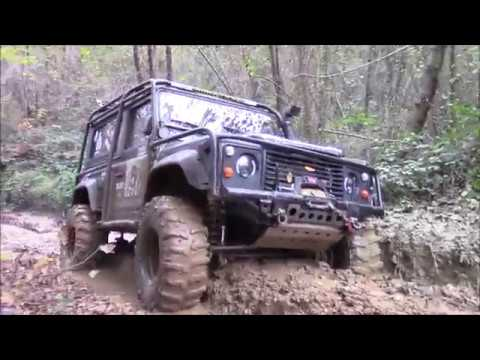 Land Rover's Defender 90 Discovery x3 Extreme Off road day