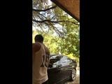 Mehmet Akif Alakurt Araba Yıkıyor