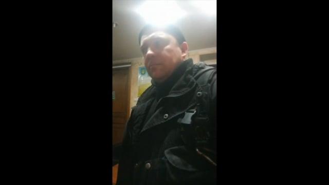 В Киеве кондукторы и контролеры троллейбуса избили пассажира