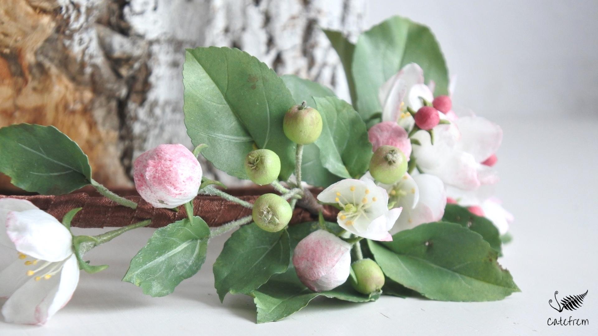 Цветущая яблоня с использованием зефирно-шёлкового фоамирана