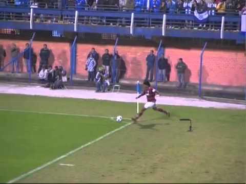 Gol olímpico de Ronaldinho - Avaí 3x2 Flamengo - Brasileirão 2011