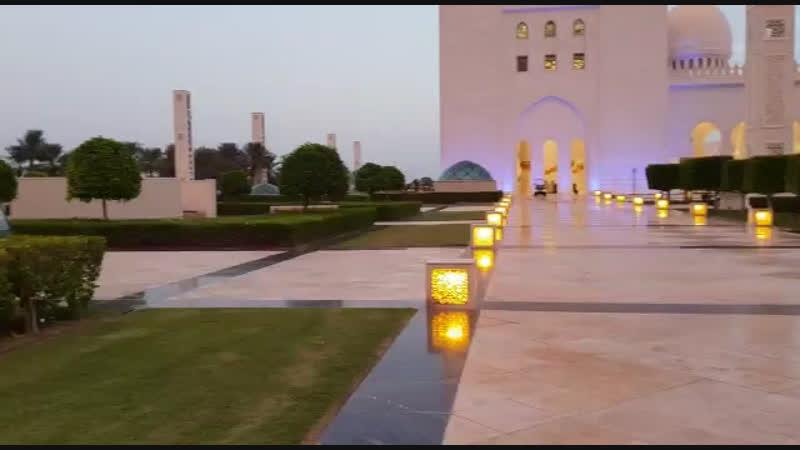 Абу-Даби.Мечеть Шейха Зайда