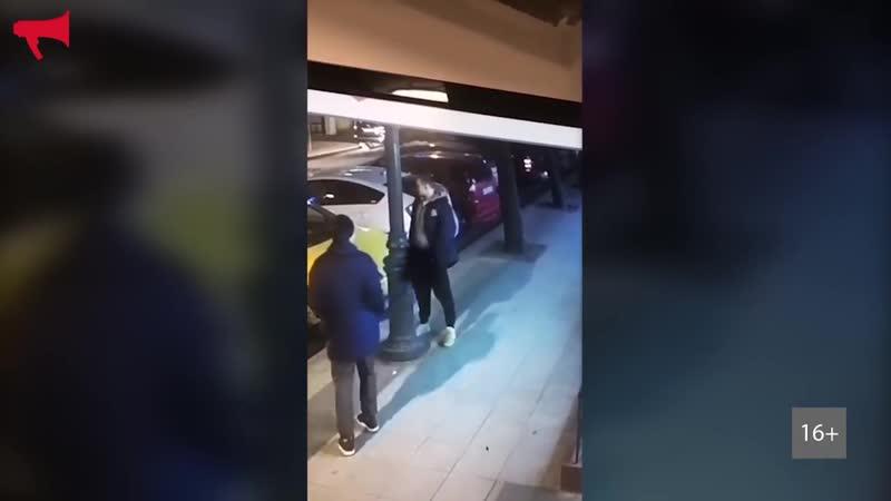 Игрок молодёжной команды Адмирала справил нужду на улице Владивостока