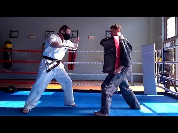 Kyokushin pads training in Training Mask 3 0 sensei Sikoński