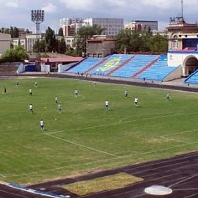Губернатор проверил ход реконструкции стадиона