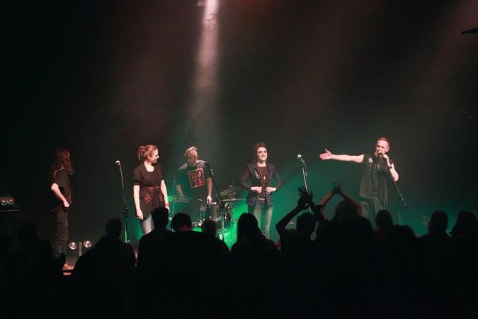 Żywiołak w Uchu Łopi - koncert w Gdyni