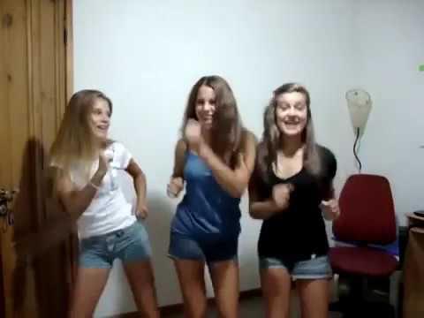 Valentina zenere danse avec ses amis