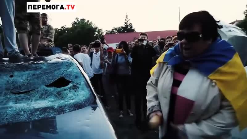 Украинская бабка перепутала Путина с тойотой