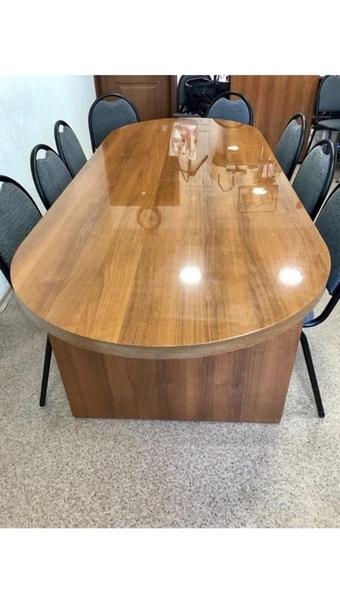 Красивый деревянный,лаковый офисный стол