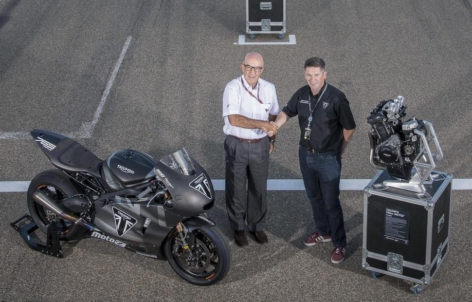 Новая эпоха в Moto2: компания Triumph передала новые моторы в Арагоне