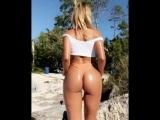 Natalia Garibotto молодая студентка с шикарной сочной попкой в масле на пляже, секс большие жопы не порно big juicy ass booty