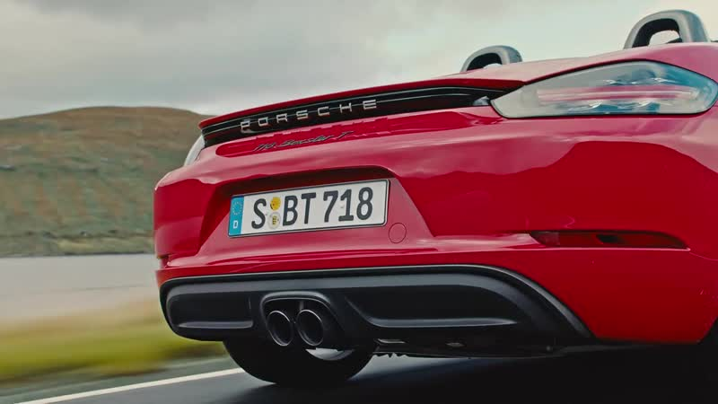 The new Porsche 718 Boxster T and 718 Cayman T. First Driving Footage.