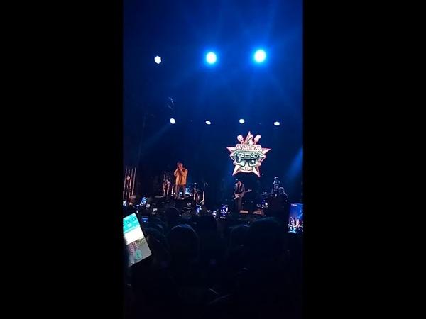 Бумбокс исполнили песню Скрябина Спи собі сама в Запорожье 14 октября 2018 г видео