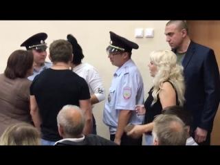 Женский бой. Общественные слушания по МСЗ в Ногинске