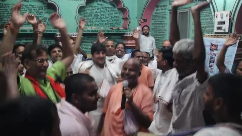 Шрипад БВ Шридхар Махарадж отрывок киртана в храме парам гурудева Пури лето 2018