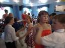 Медленный танец выпускников 4Б класса школы №16.