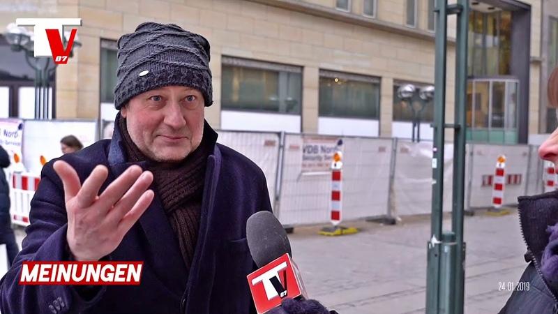 DREISTER Raub in S-Bahn - 3 Afrikaner schlitzen Hose auf, Portmonee weg