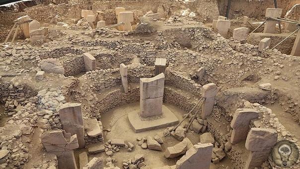 Изображение древней катастрофы на старинном артефакте Тысячелетние храмыпочти всегда содержат надписи и символы, которые ученые долгое время не могут прочесть.Один из таких символов находится
