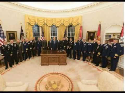 Майкл Салла QAnon — это американская военная разведка, которая привлекла Трампа к президенству