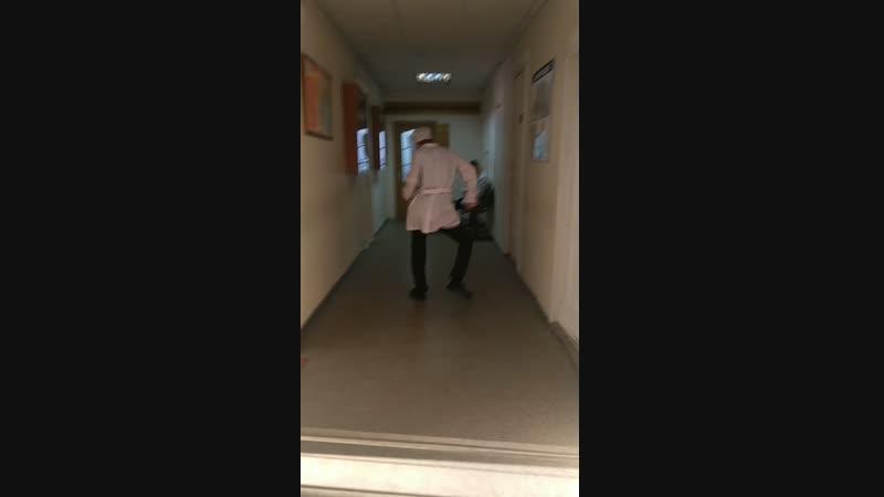 Когда узнал кто староста и бежишь бить ему еб***