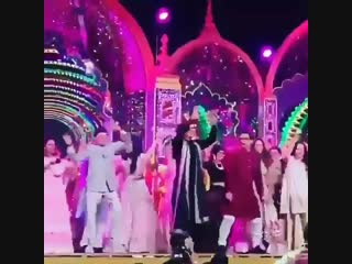 @iamsrk and @aamir_khan shake a leg together at ishaambani and anandpiramal's pre-wedding celebrations