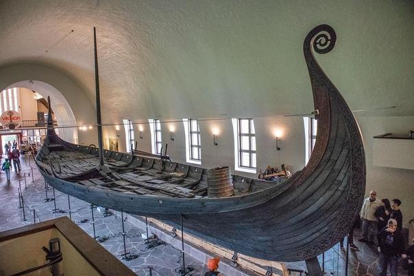Осебергская ладья  дубовый корабль викингов (драккар