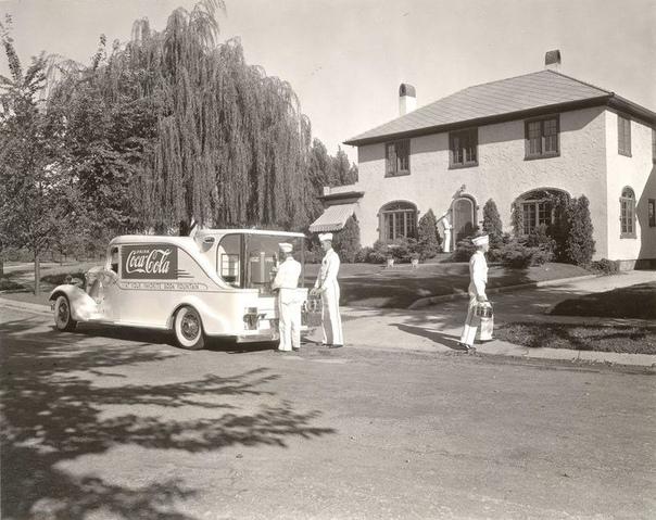 Самоходный сатуратор компании Coca-Cola, колесивший по Чикаго в 1933-м году.