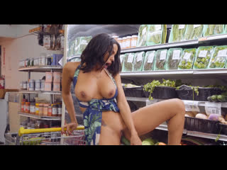 Milfhunter luna star grocery store milf xxx 1080p (milf, public, hunter, big boobs)