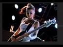 Incredible Female Guitarists Who Play Hard Rock and Metal Like Beasts !