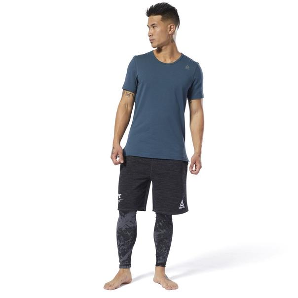 Спортивная футболка с перфорацией Combat