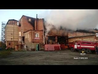 Горят склады на Толмачёвской