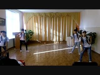 Танцевальный коллектив учащихся 6 класса