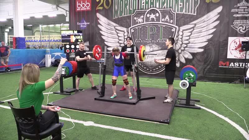 Кончакова Наталья присед в бинтах 160 кг