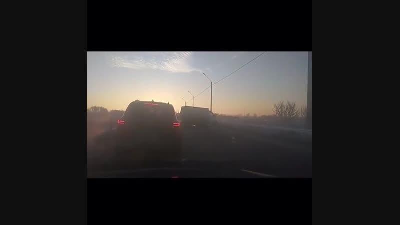 Repost @ hardcore_rzn ・・・ Сегодня, 12 января, на Северной окружной дороге Рязани столкнулись легковой автомобиль и «Газель». Ви