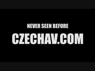 Чешское, сисястая в раздевалке, hidden cams, big tits, public,