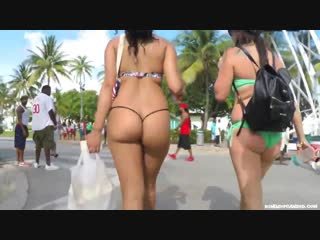 Foxy Latina in Thong Bikini walking Down the Street (720)