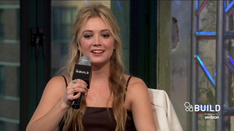 Billie Lourd Discusses Her Mother, Carrie Fisher, Working With Harrison Ford