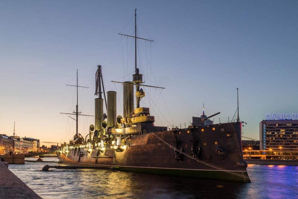 фото крейсера аврора в санкт петербурге связано обильным