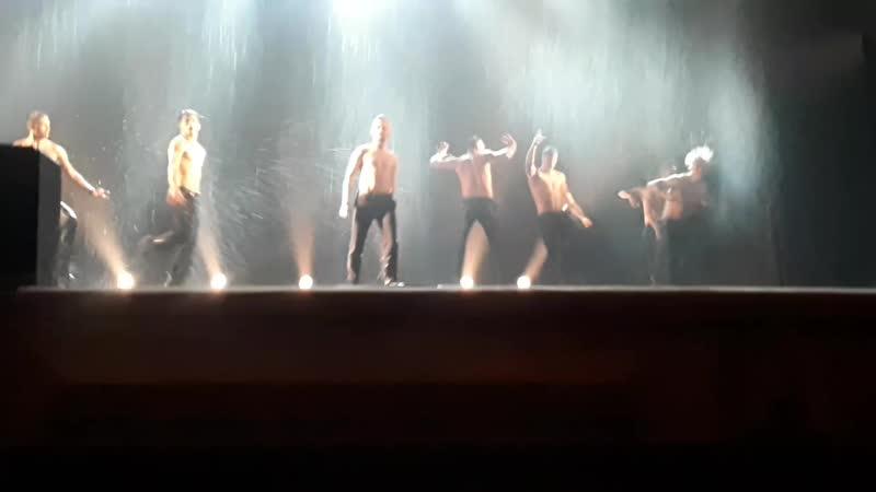 Шоу под дождем Дышу тобой, Театр Искушение (Мюзик-холл, 21.04.19)