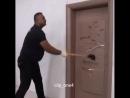 Дверь для непрошенных гостей