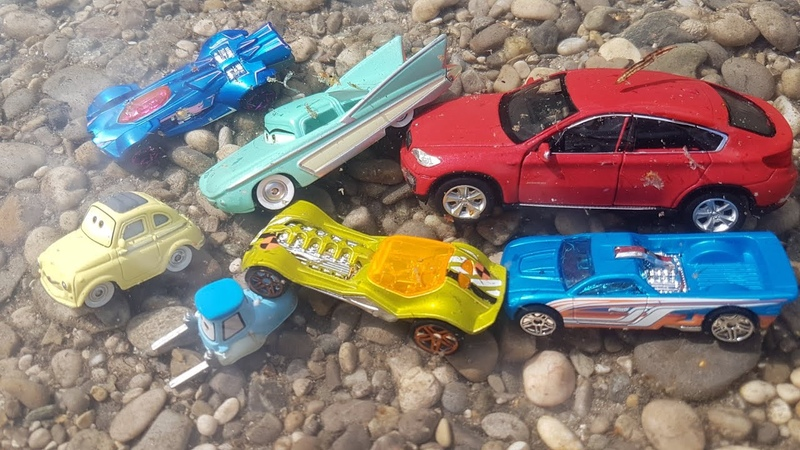 Hot Wheels Disney Cars Welly Cars in Water with Jano